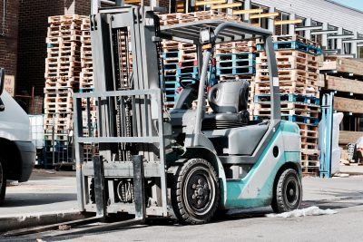 Sit down forklift, also known as a counterbalance forklift or counterbalance truck