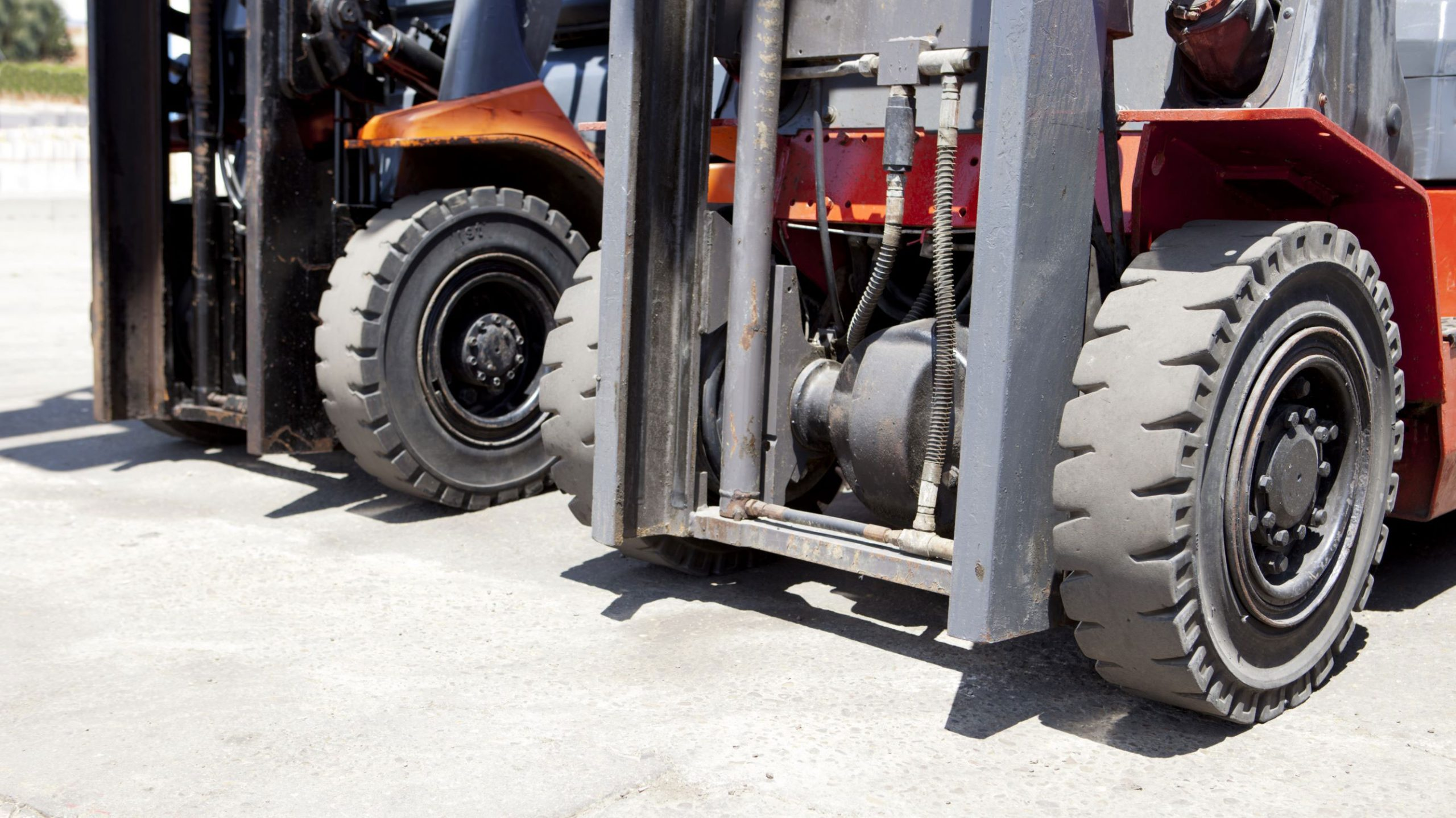How to Choose the Right Forklift Tires
