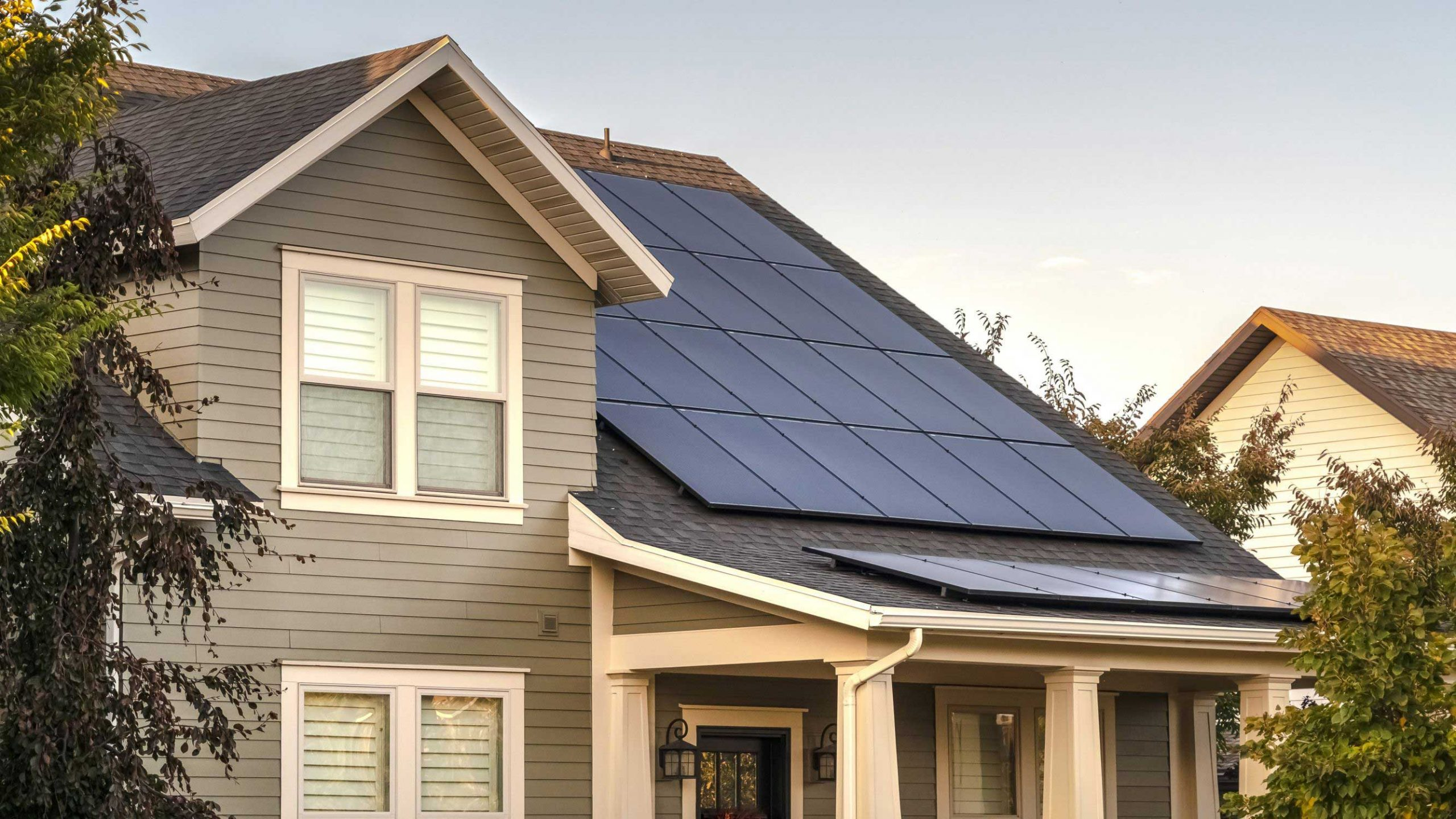 Is It Better to Buy or Lease Solar Panels?