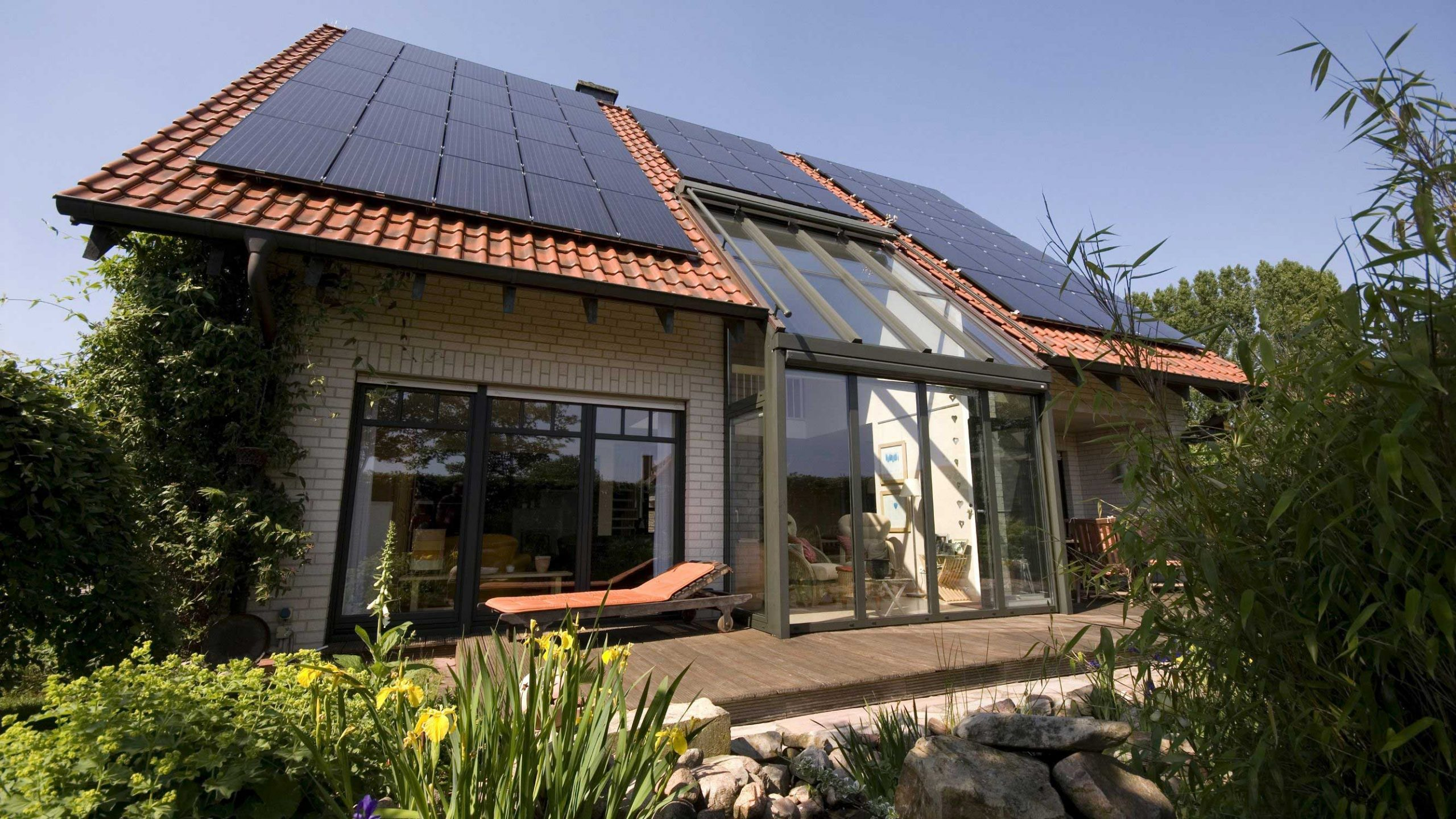 How Are Solar Panels Rated? Understanding Solar Panel Output
