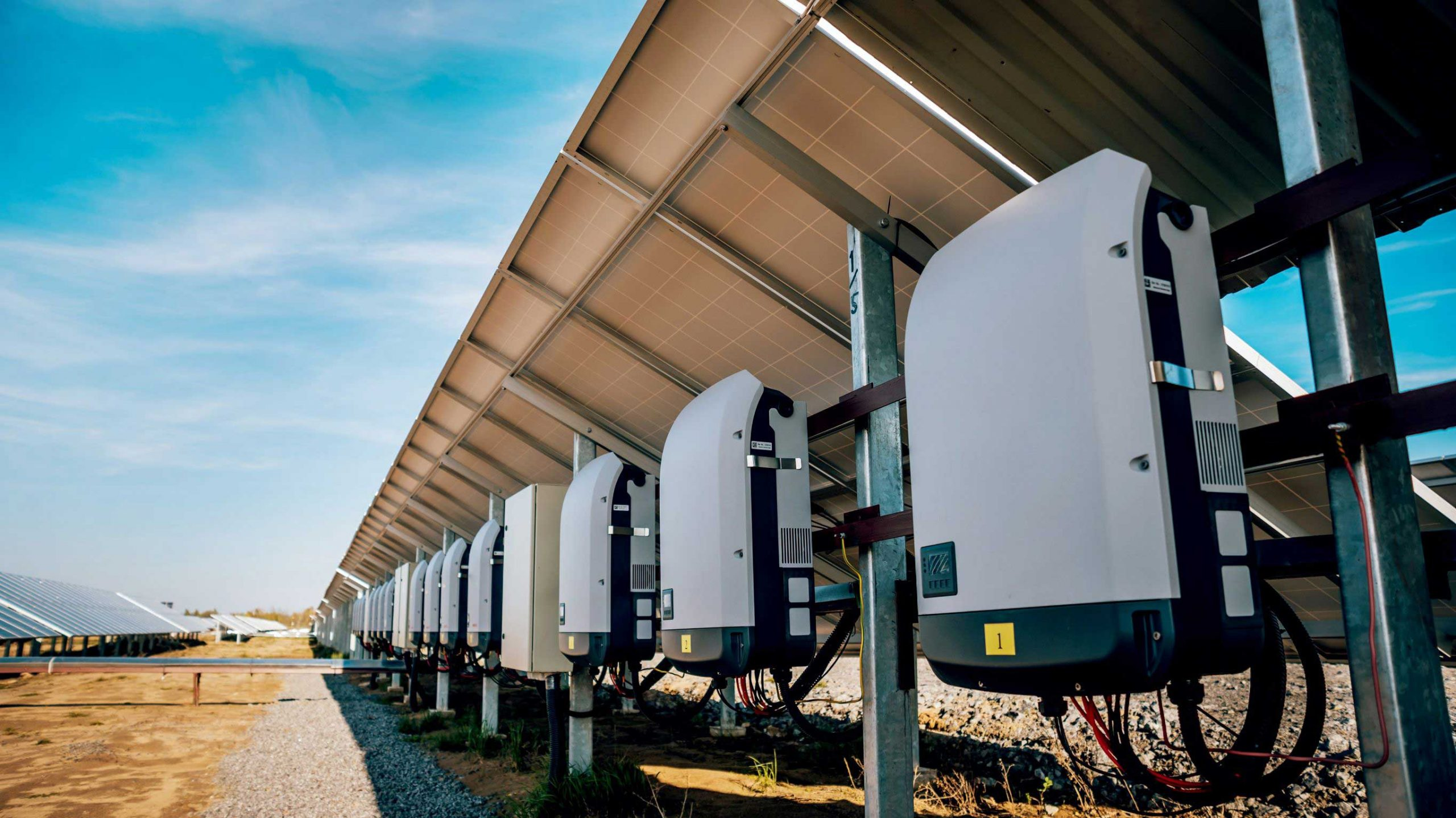 Micro-Inverters vs. Power Optimizers: How to Pick a Solar Inverter Type