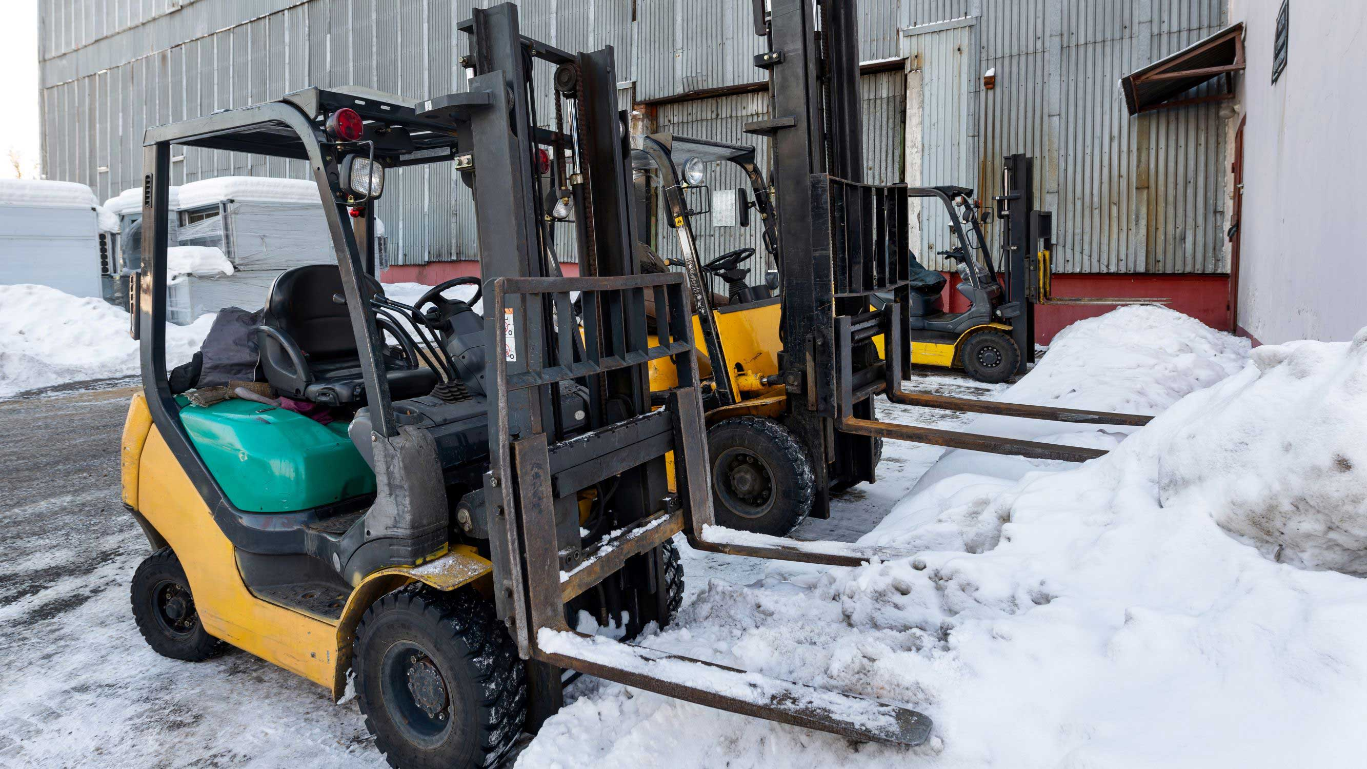How to Protect Your Forklift with Winter Maintenance