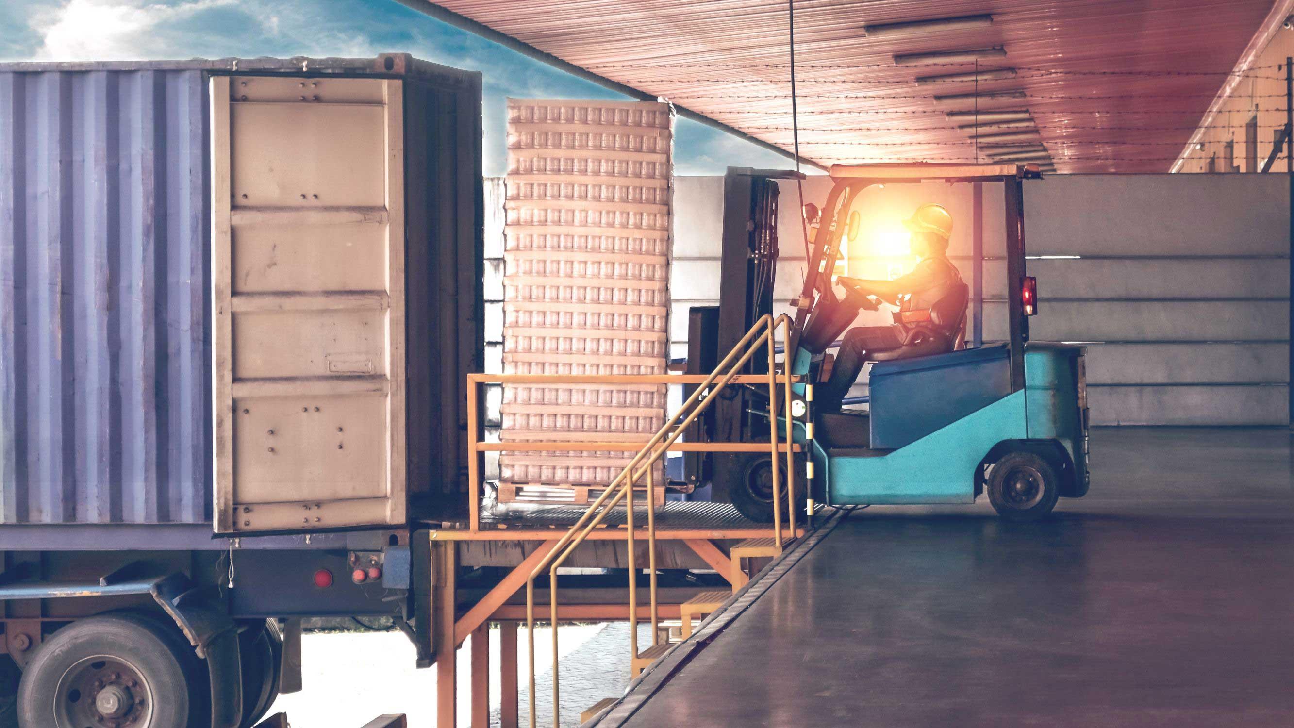 How to Avoid Forklift Hazards When Loading & Unloading