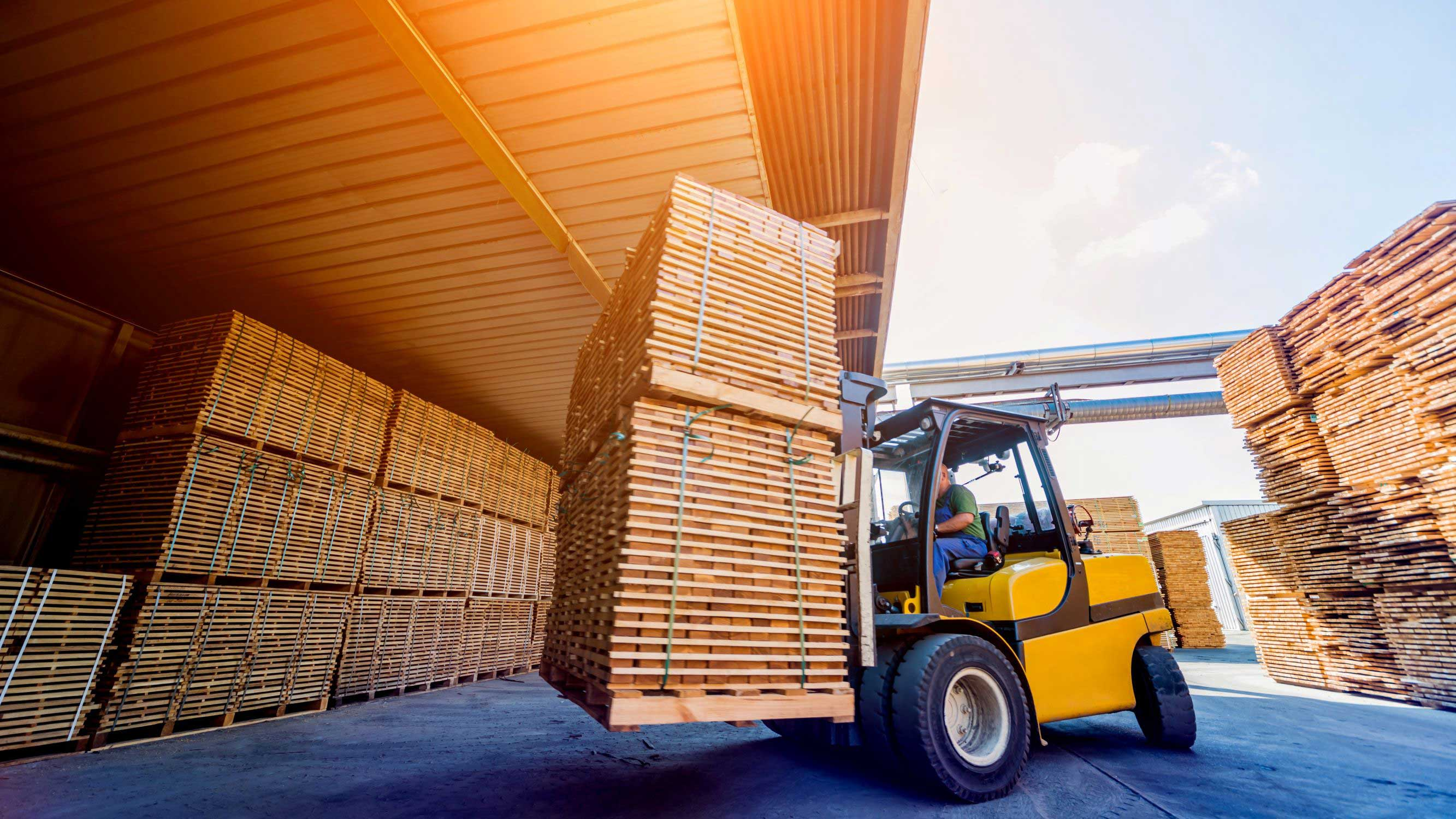 7 Questions to Answer Before Buying a Forklift