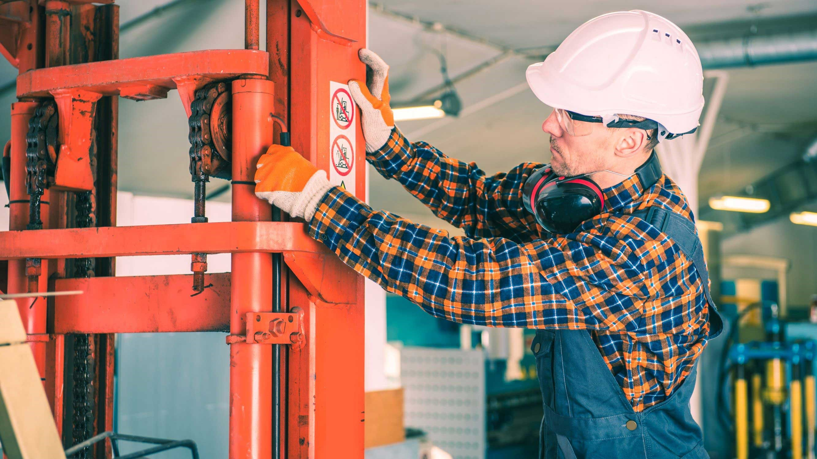Use These Forklift Maintenance Tips to Increase Safety