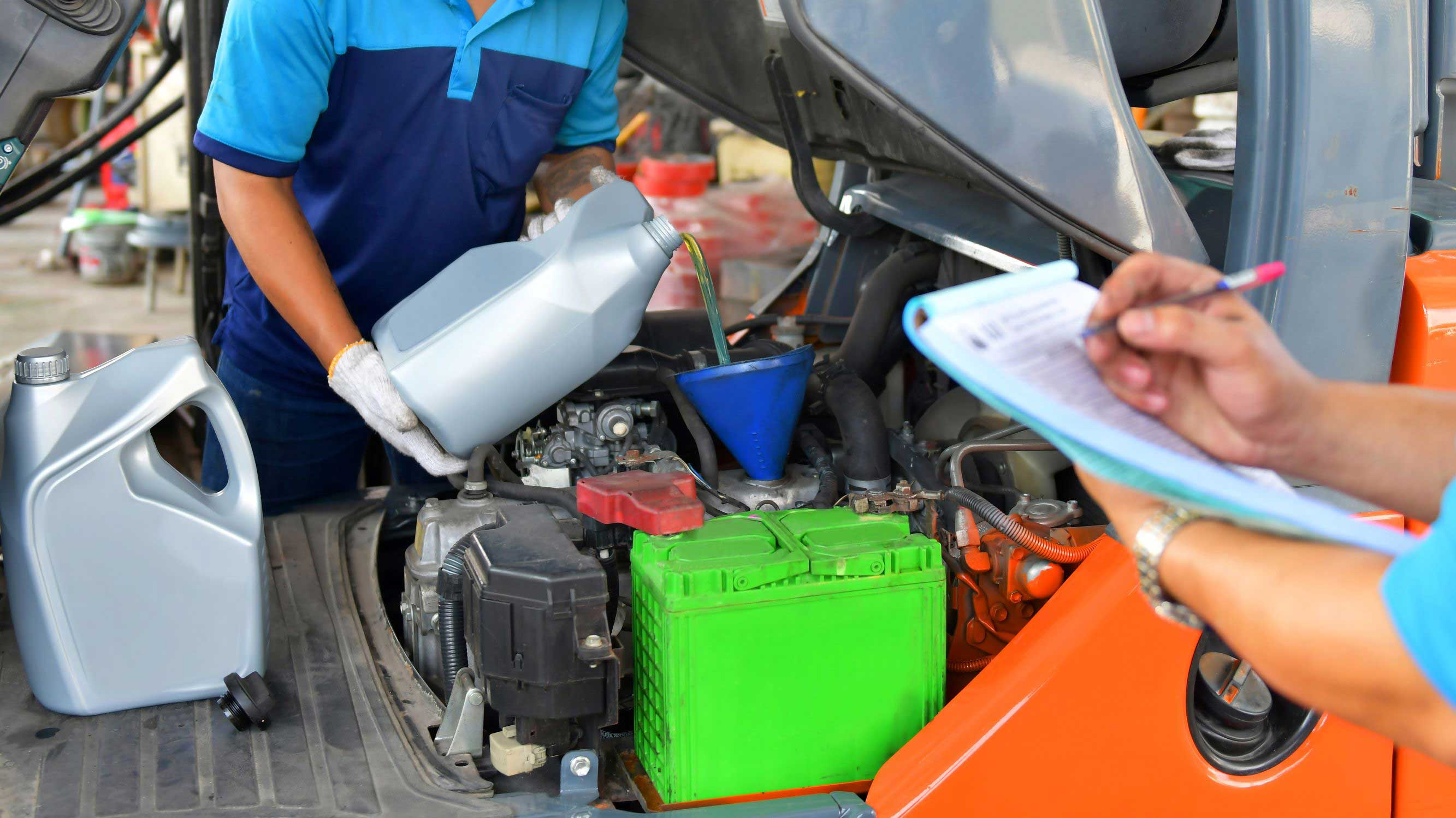 How to Complete a Forklift Oil Change in 10 Minutes