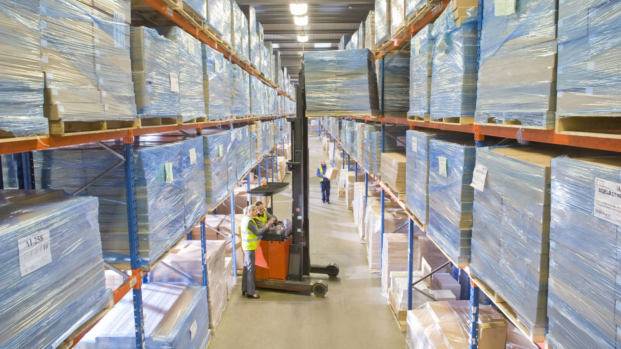 Increase Warehouse Storage with a Narrow Aisle Forklift